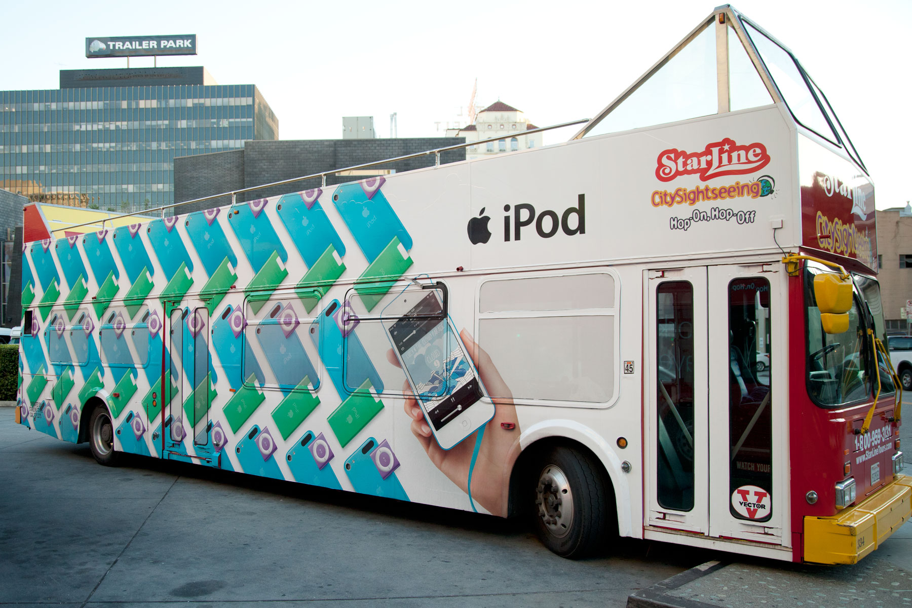 APPLE-IPOD-BUS