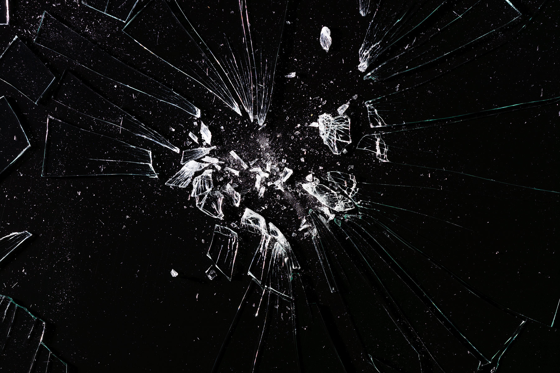 Broken_glass_1