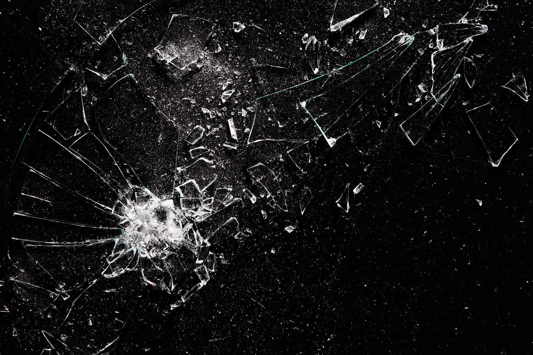 Broken_glass_3