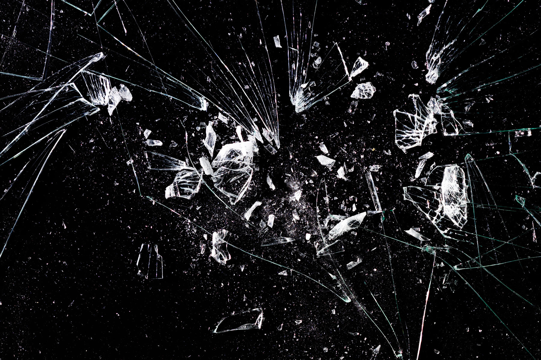 Broken_glass_4